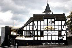 Restaurants in Köln Rodenkirchen: Fährhaus