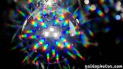 Desktop Hintergrund Weihnachtskugel Regenbogen